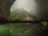 Rock formation shines in Hang Son Doong